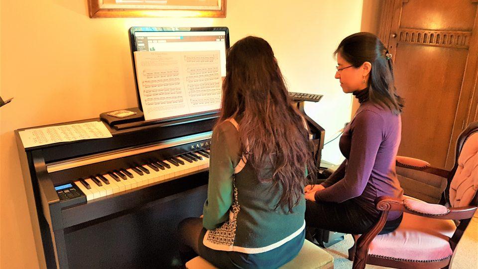 Practising: Keyboard or Piano?